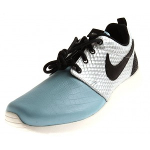 Nike WMNS Roshe One LX